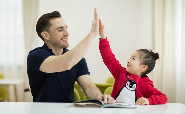 少儿英语培训类APP开发让孩子爱上英语学习